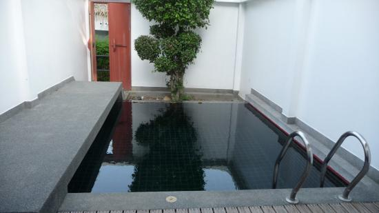 Ban Kao Tropical Boutique Residence & Spa: piscine interieure mais manque de soleil.............dommage