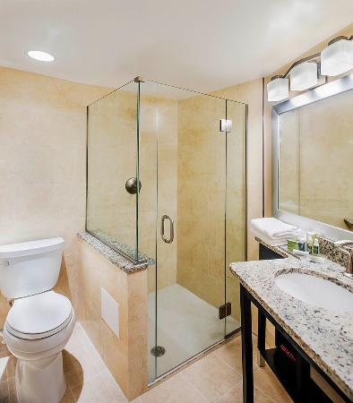 newly renovated guest baths picture of the georgetown inn rh tripadvisor co nz