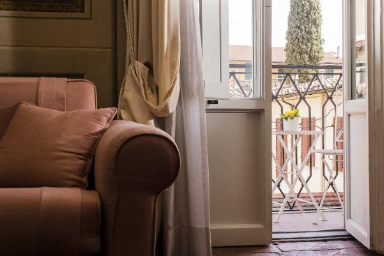 Palazzo Galletti : Sofa and Terrace