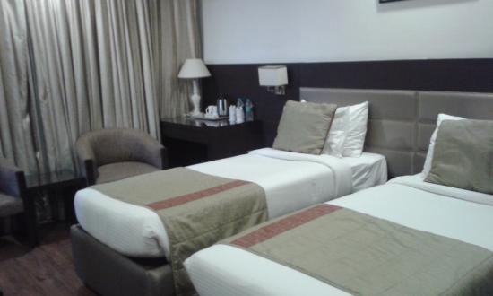 ホテル アフリカ アベニュー G K 1