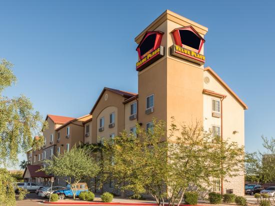 Value Place Phoenix, Arizona (Peoria): Exterior Day