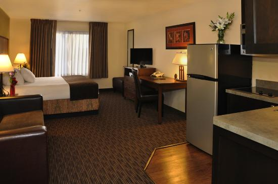 Oxford Suites Hermiston: Suite