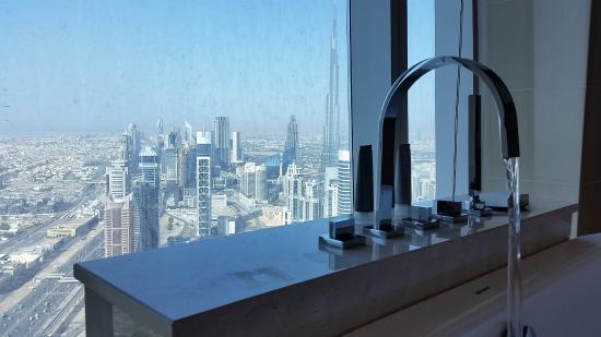 bathroom view 67th floor picture of jw marriott marquis hotel rh tripadvisor co uk