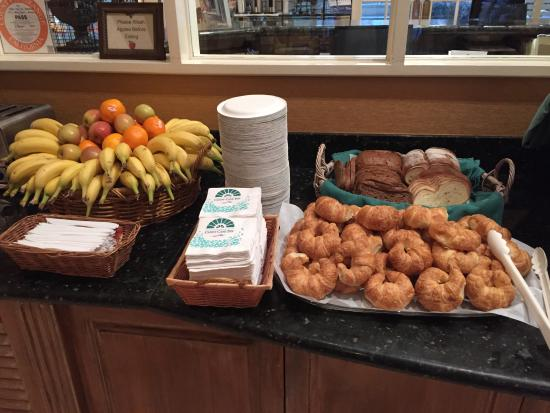 breakfast buffet picture of candy cane inn anaheim tripadvisor rh tripadvisor com