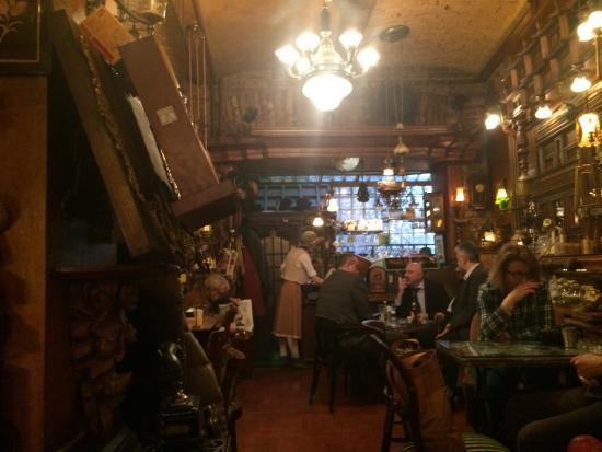 Sarajevo - kafe bar Zlatna Ribica - Page 3 Photo1jpg