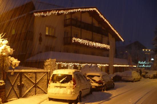Hotel Los Andes by Bien Vivre Hotels: Hotel podczas śnieżycy