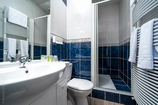 salle de bain picture of atlantys hotel saint herblain tripadvisor. Black Bedroom Furniture Sets. Home Design Ideas
