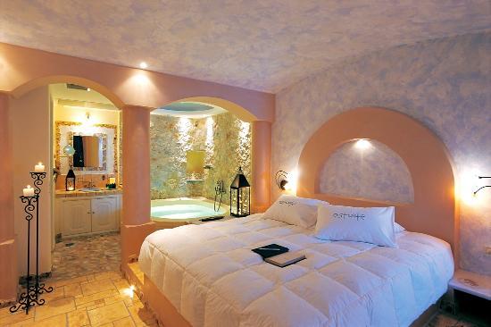 Junior suite | Astarte Suites Hotel in Santorini