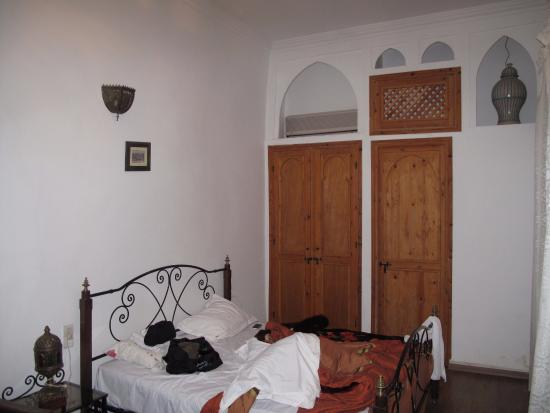 Dar Moulay Ali: sorry for the mess on the bed