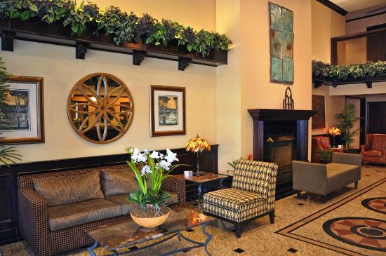 Oxford Suites Downtown Spokane: Lobby