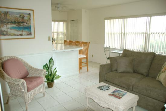 Pelican Place: Relax in comfort - Living room