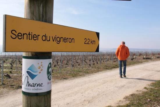 Mutigny, França: de enige wegwijzer die we tegenkwamen