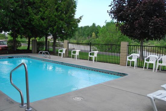 Oxford Inn Yakima: Pool