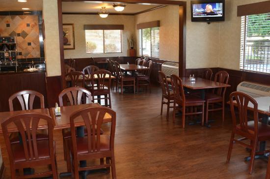 Oxford Inn Yakima: dining
