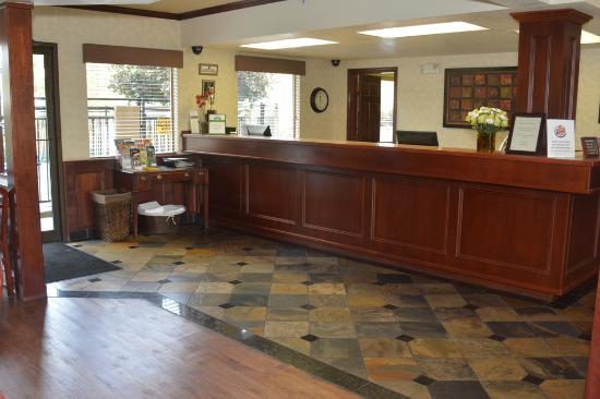Oxford Inn Yakima: Lobby