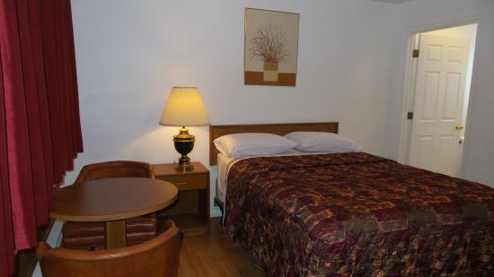 Golden Lion Motel: Single Bed
