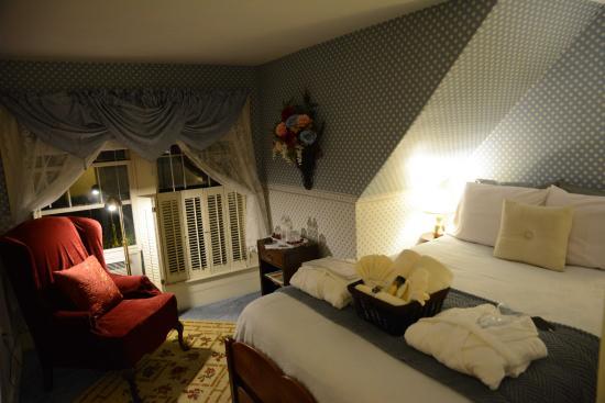 Maples Inn: klein, aber sehr sehr schön. Unser Zimmer im zweiten Stock