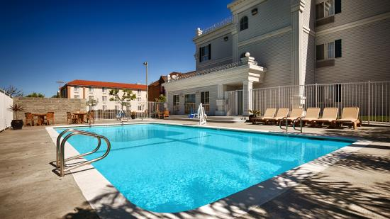 BEST WESTERN Salinas Monterey Hotel: Outdoor Pool