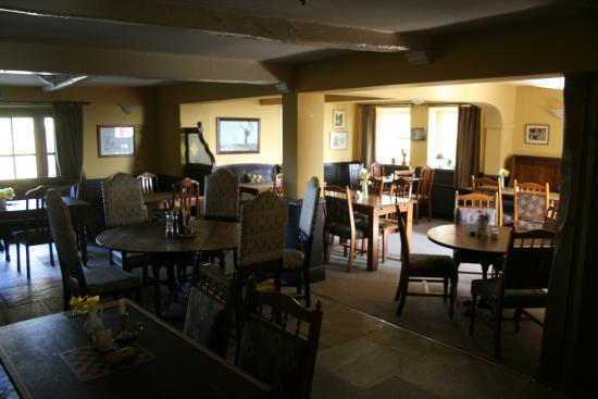 Bashall Eaves, UK: Early morning view of main dining room.