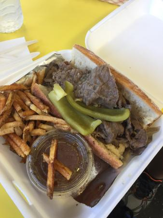 Bugsy's Chicago Dogs: photo0.jpg