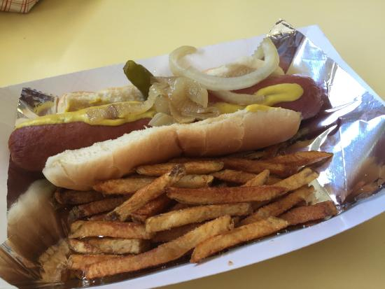 Bugsy's Chicago Dogs: photo2.jpg