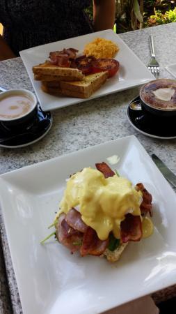Deli Adrift: One of my favourites: Eggs Bene