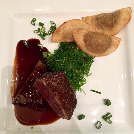 Salt: seared tuna with potstickers and seaweed salad