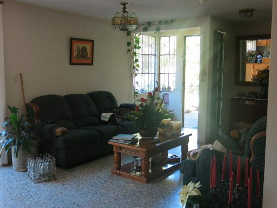 Casa de Familia: living area