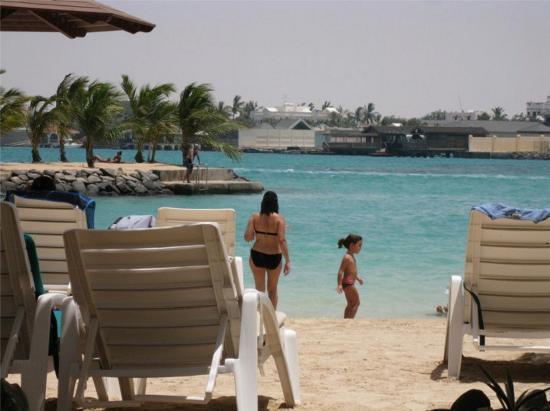 Silver Sands Beach: Beach view