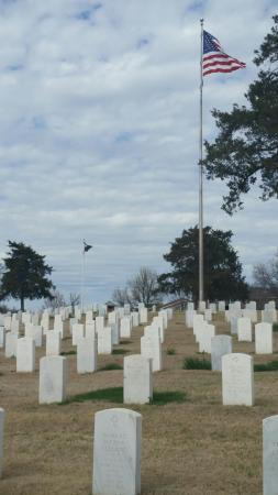 National Cemetery: Military cemetery
