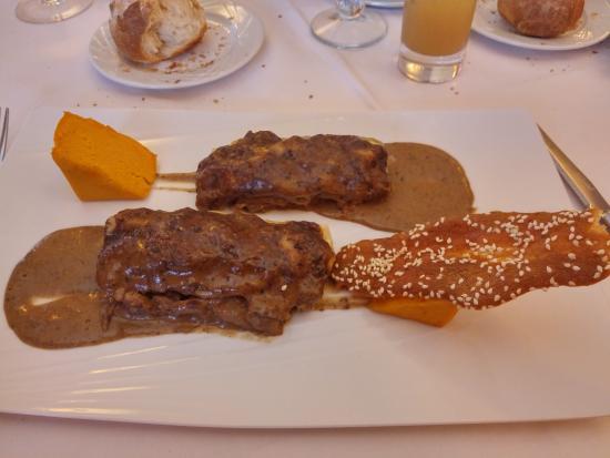 La Villa : Cannelloni de lapin sauce aux cèpes