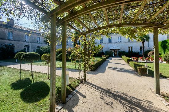 La Corderie Royale : jardin-intérieur