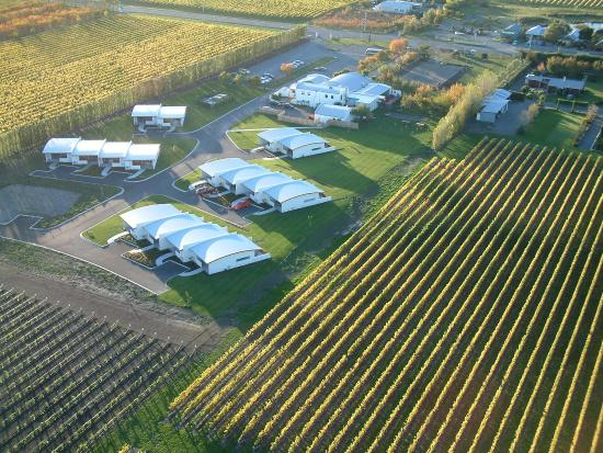 Marlborough Vintners Hotel: Aerial