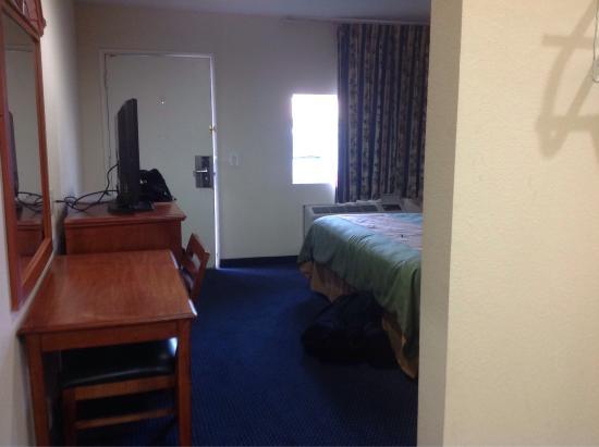 Crown Motel: photo0.jpg
