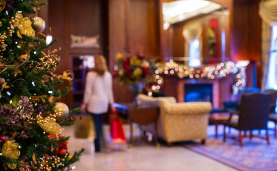 Magnolia Hotel And Spa: Dressed for the holidays
