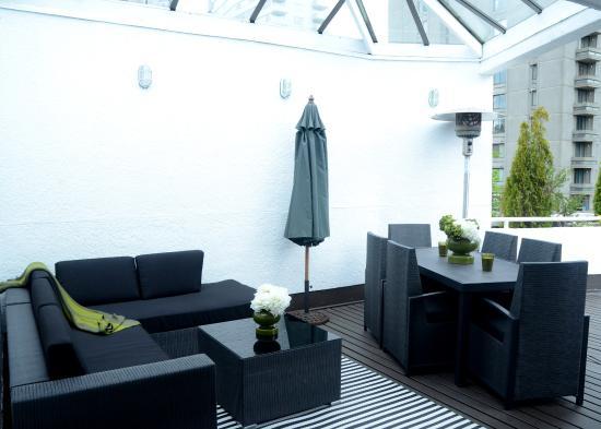 Rosellen Suites At Stanley Park: Penthouse Patio