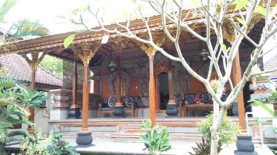 Swan Inn: Terrace of deluxe bungalow