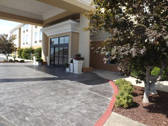 Photo of Holiday Inn Express Nicholasville