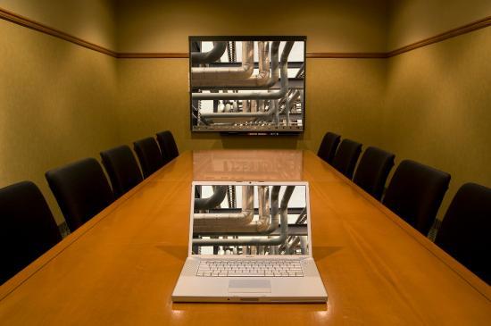 Merit Hotel & Suites: Meeting Room