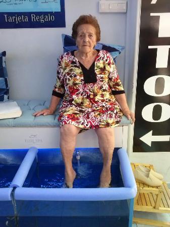 Jack 39 s fish foot spa torremolinos spanien anmeldelser for Fish foot spa