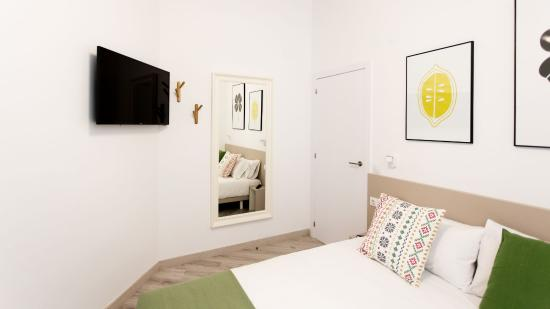 Apartamentos wallace valencia espa a opiniones - Television dormitorio ...