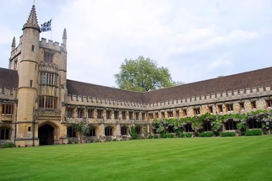 Magdalen College Accommodation : The Cloister and Founder's Tower