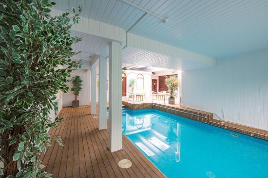 Burley Manor Hotel Swimming Pool
