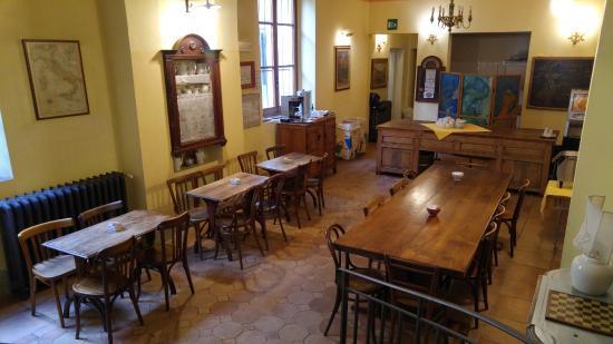هوتل أتزي: Dining area