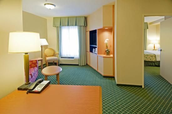 Fairfield Inn & Suites Cordele: One Bedroom Suite