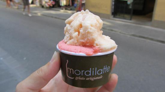 Mordilatte: Melon and strawberry ice cream from heaven!
