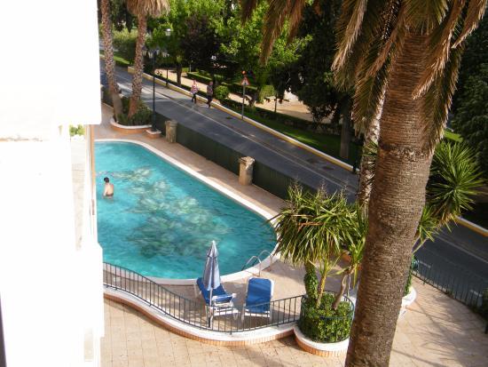 Hotel Sol e Serra: vista de quarto sobre a piscina do hotel