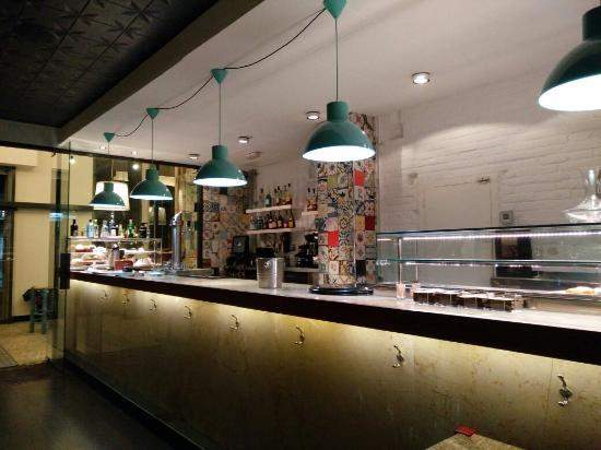 Tapes Gaudí : Restaurante Gaudir