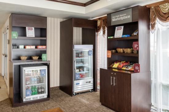 Comfort Suites Seaford: Market Place