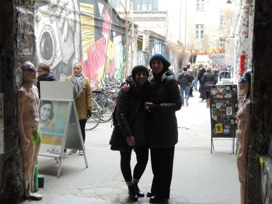 BerlinAndOut: Cortile occupato
